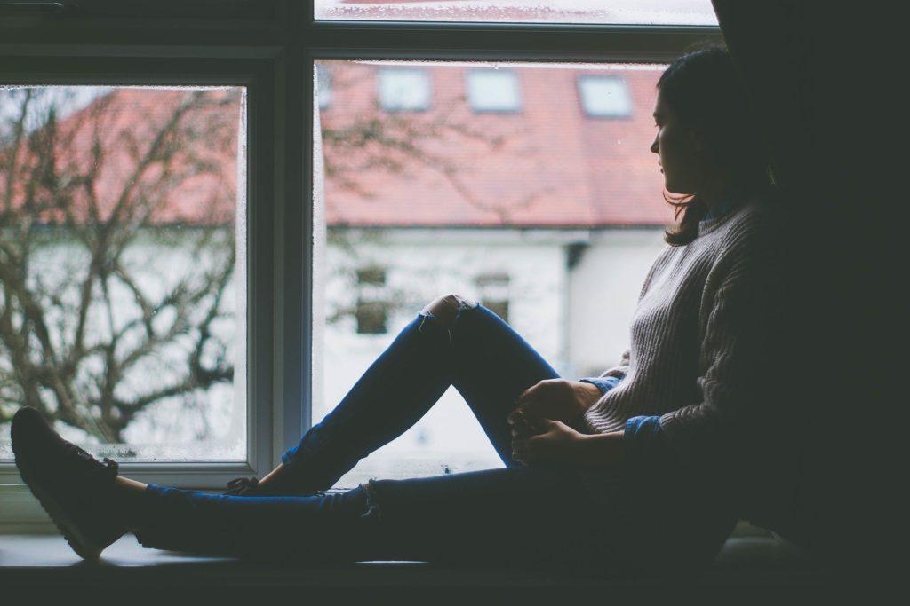 アラフォー女性「貯金なし」将来が怖い。今から真っ先にやるべきこと